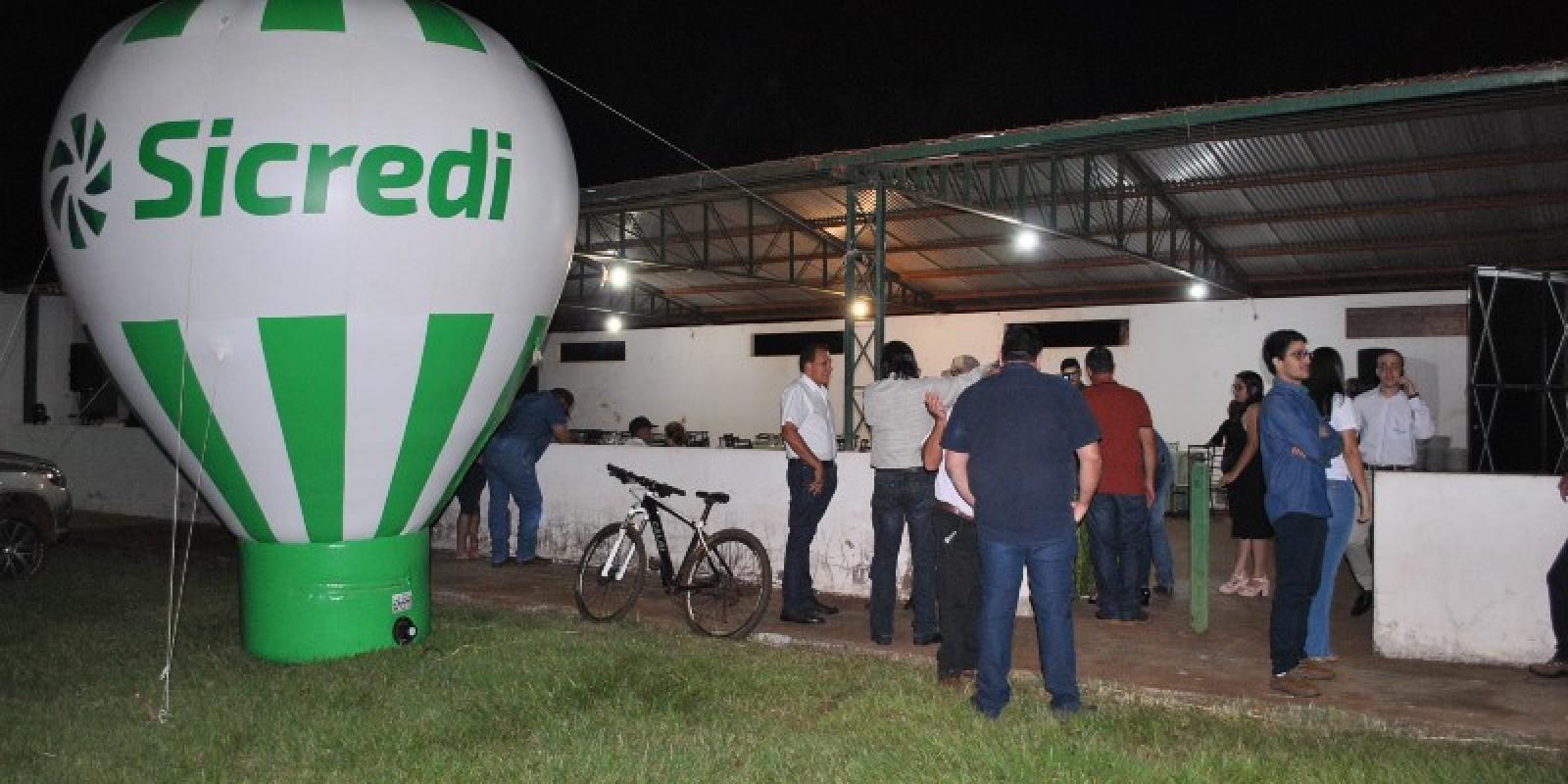Confira toas as fotos da reunião do Sicred em Angélica