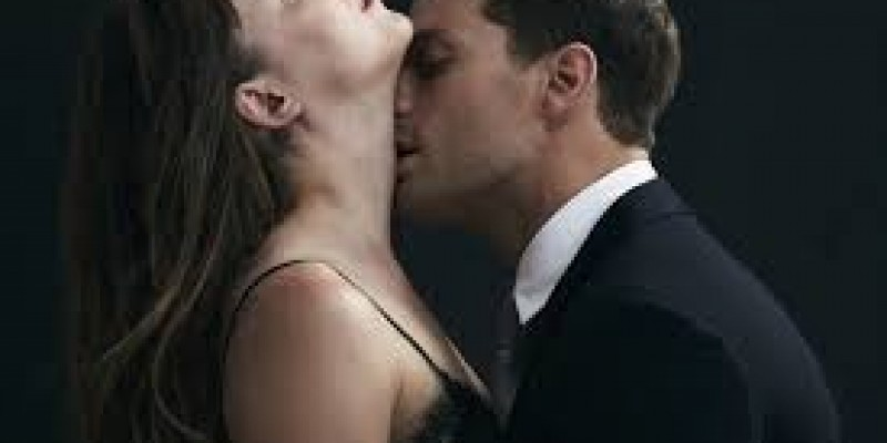 Ellie Goulding - Love Me Like You Do (Fifty Shades of Grey) (Official Video)